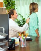 Doctor with teenager patient — Stock Photo