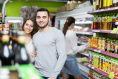 Customers at beverages section — Stock Photo