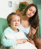 Mother berating crying child — Stock Photo