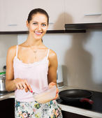 Woman cooking egg souffle — Stock Photo
