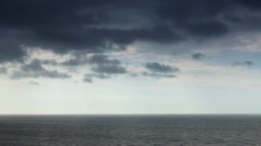 Cloudy sky over the sea (Time Lapse). FULL HD — Stock Video