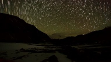 Time lapse of stars behind mountain Cho Oyu. Nepal — Stock Video