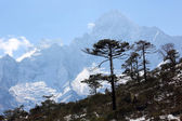 Verkeer van de wolken op de bergen, Himalaya — Stockfoto