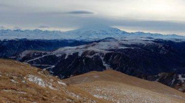 Закат timelapse в горах Эльбрус, северный Кавказ, Россия. Full Hd — Стоковое видео