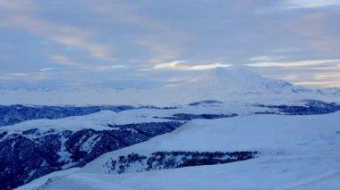 Timelapse soluppgång i berg Elbrus, norra Kaukasus, Ryssland. Full Hd — Stockvideo