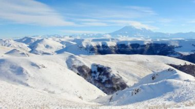 Movement of the clouds on the mountains Elbrus, Northern Caucasus, Russia. FULL HD — 图库视频影像