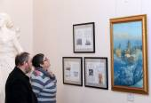"DONETSK - FEBRUARY 16: Opening of the exhibition ""St. Luke Crime — Stock Photo"