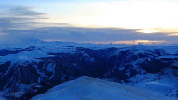Timelapse atardecer en las montañas Elbrus, Rusia, Cáucaso septentrional. Full Hd — Vídeo de stock