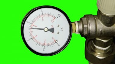 Water pressure meter installed with green screen, Full HD — Stock Video