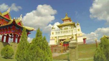 Golden Abode of Buddha Shakyamuni in Elista — Stock Video