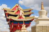 Clouds over the Buddhist temple. Golden Abode of Buddha Shakyamu — Stock Photo