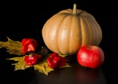 Pumpkin and apple — Stock Photo