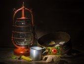 Kerosene lamp and antiques  — 图库照片