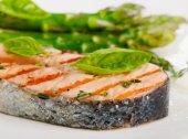 Grilled salmon — Stock Photo