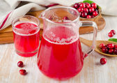Cranberry drink with fresh berries — Stock Photo