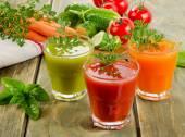 Fresh vegetables  juices — Stock Photo