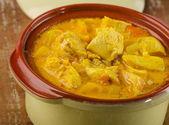 Curry i lera skål — Stockfoto
