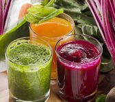 Vegetable smoothie and juice — 图库照片