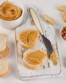 Toast with Peanut butter — Stock Photo