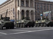 Military vehicles in the parade — Stock Photo