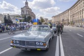 Charity cycling on Khreshchatyk, Kiev — Stock Photo