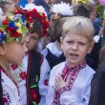 Children of migrants go to school — Stock Photo #52584177