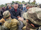 Oleg Tyahnybok sees off soldiers — Stock Photo