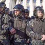 Постер, плакат: Disturbances near Verkhovna Rada