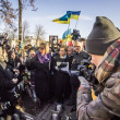 Постер, плакат: Yulia Tymoshenko speaks with relatives of heroes