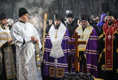 Prayer service near Memorial of Holodomor — Stockfoto