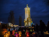 People staying near Memorial of Holodomor — Stock Photo
