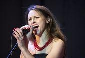 Singer    Zoryana Dybovska — Stock Photo