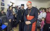 Papal envoy met with ukrainian refugees — Stock Photo