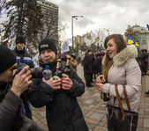 Ukrspirt protesting and handing out beer — Stock Photo