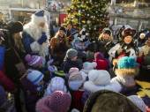 Volunteers organized Christmas holidays — Stock Photo