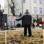 Постер, плакат: Man with Putin get out of Ukraine banner