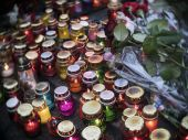 Lamps in memory of victims — Stock Photo