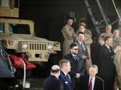 President Poroshenko met the US armored vehicles — Foto de Stock