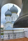 Big bell in belfry of Rostov Kremlin — Stock Photo