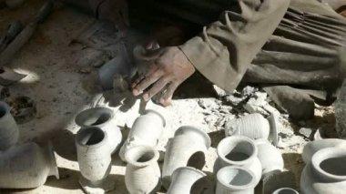 Hands making the ceramic jug — Stock Video