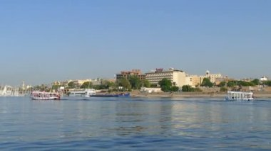 Touristic boats on Nile river — Stock Video