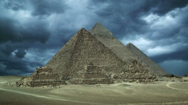 Storm clouds over pyramids at Giza Cairo — Stock Video