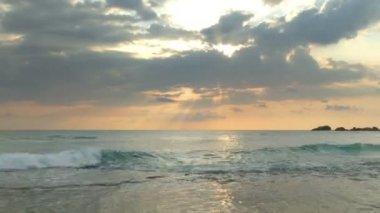 Tropical sea sunset landscape — Stock Video