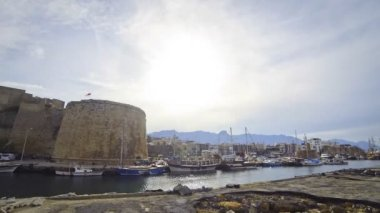 Harbour and medieval castle in Kyrenia city (Girne), Cyprus — Stock Video