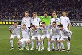 FC Dynamo Kyiv players pose for a group photo — Stock Photo