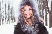 Woman in winter — Zdjęcie stockowe