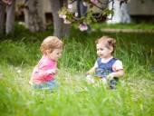 两个女孩玩 — 图库照片