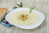 Soupe de fromage avec croûtons — Photo