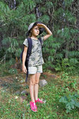 Girl travels through the taiga — Stock Photo
