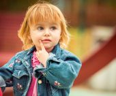 Girl playing at the playground — Stock Photo